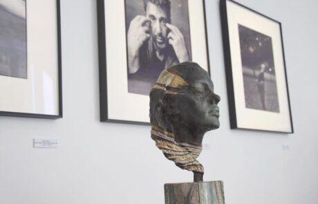 A Galerie sculpture